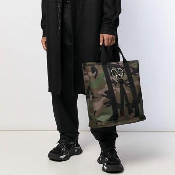 ¥8160元包税包邮!VALENTINO Valentino Garavani VRING迷彩托特包