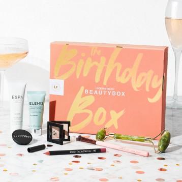 ¥131.85元英国直邮!LOOKFANTASTIC 限量版生日美妆礼盒(价值超过700元)
