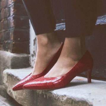 張揚小紅鞋 舒適小貓跟:Clarks 女士 Laina55 Court 高跟鞋