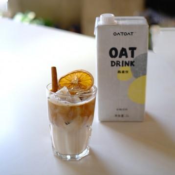 咖啡大师伴侣:oatoat燕麦奶 0糖0乳糖高纤低脂植物奶1L*2瓶